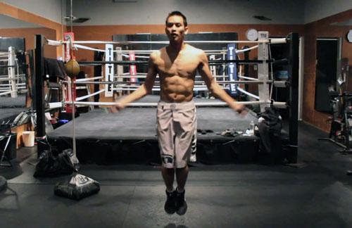 Entrenamiento de salto en soga para boxeo