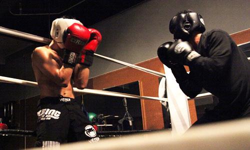 Wie man gegen einen Konterboxer kämpft